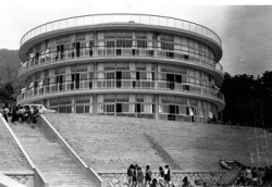 【円形校舎物語5】 昭和30年の円形校舎 まだまだ現存・現役